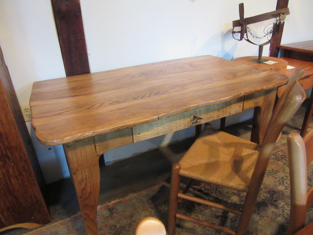 Dining room table 30 inches wide
